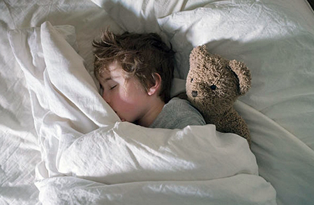bedwetting acompanying symptoms